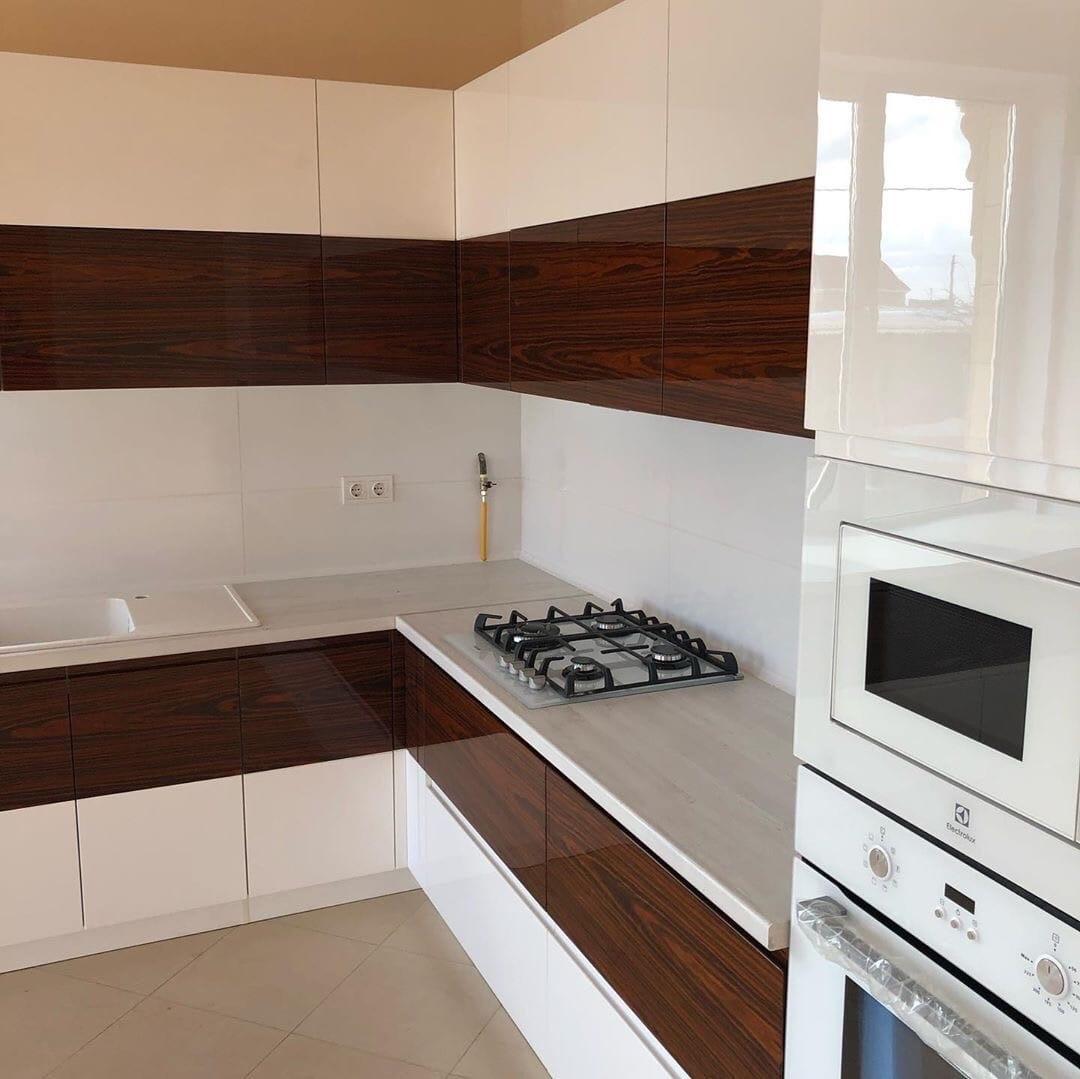 Белый кухонный гарнитур-Кухня МДФ в эмали «Модель 563»-фото3
