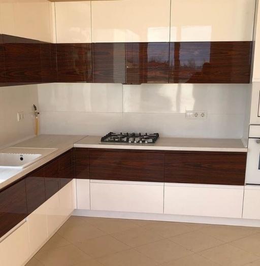 Белый кухонный гарнитур-Кухня МДФ в эмали «Модель 563»-фото8